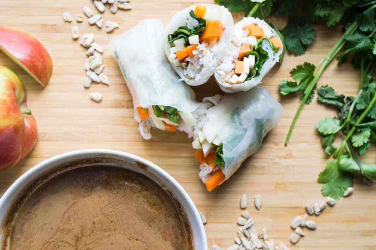 Salad Rolls with Walnut Sauce