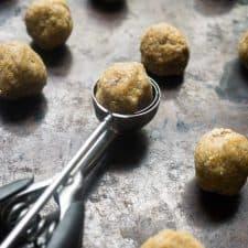 energy balls cashew apricot