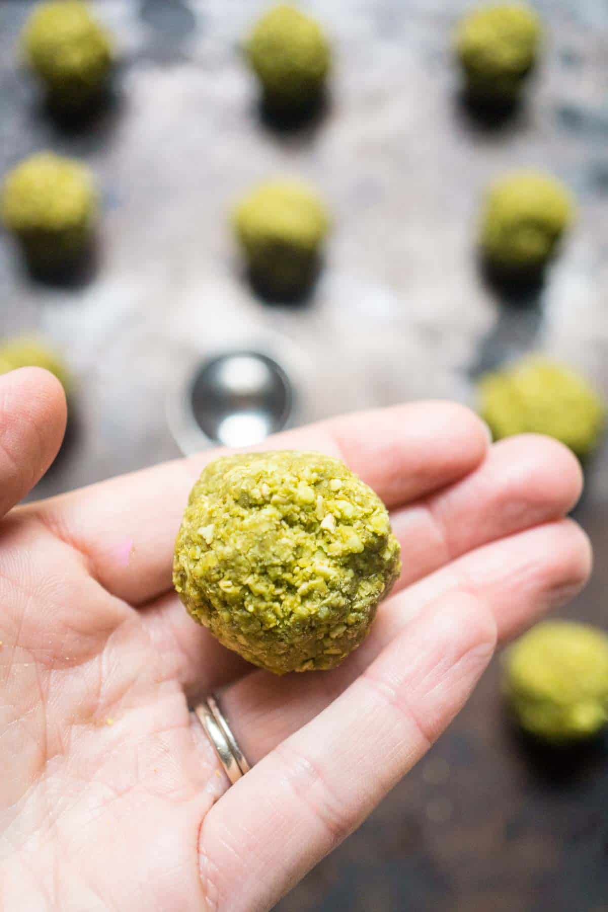energy balls white chocolate matcha