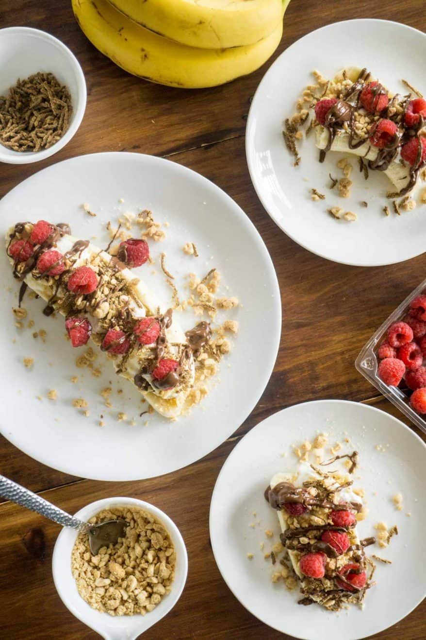 a healthy breakfast banana split, high in fibre & protein!